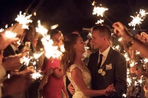 sparkler wedding exit, nighttime, bride and groom, sparler photography, sparklers